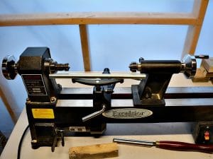 Setting up your lathe to secure your wood